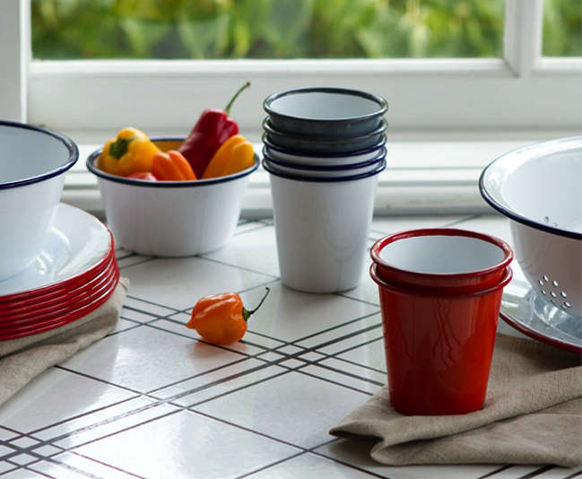 Classic Enamelware for Outdoor Dining portrait 3