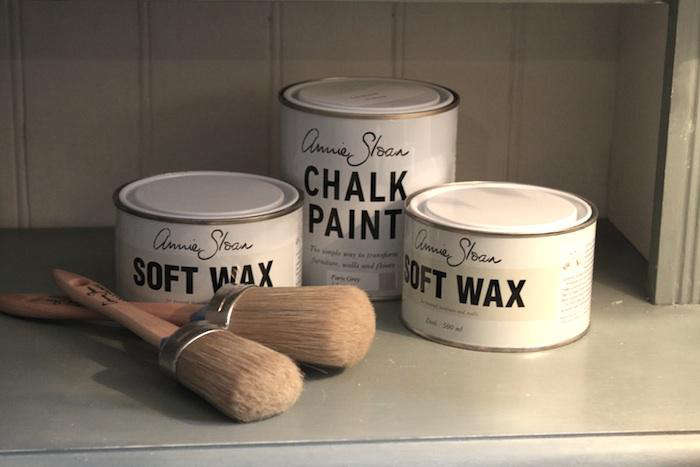 700 annie sloan chalk paint brushes
