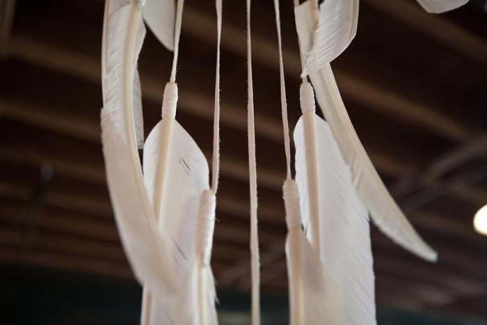 700 beam and anchor white feathers