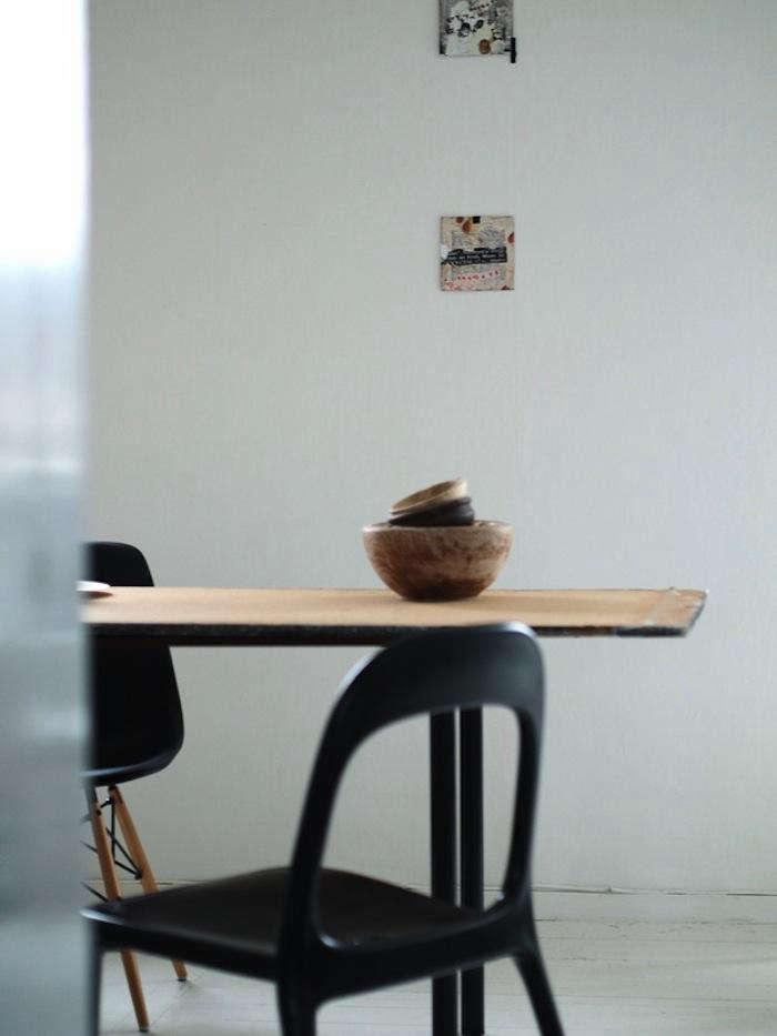 700 moa interior shot black chair