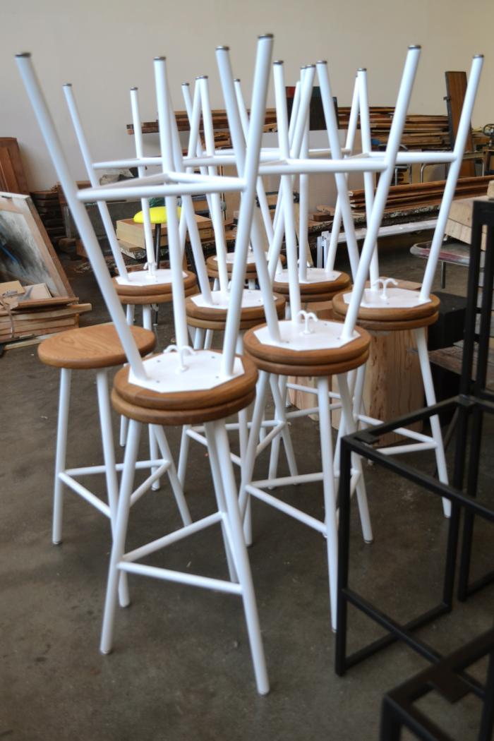 700 ohio design white stools