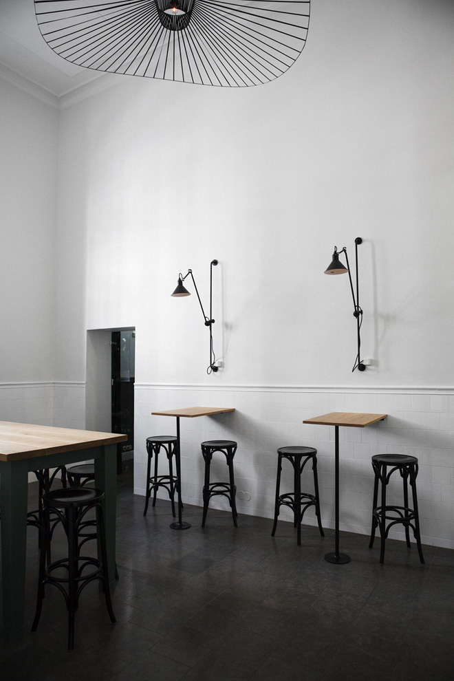 light in bar and co