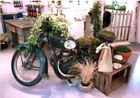 Shoppers Diary Les Mauvaises Graines in Paris portrait 4