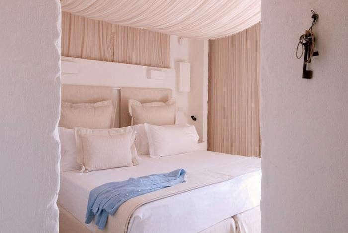 700 borgo egnazia draped bed