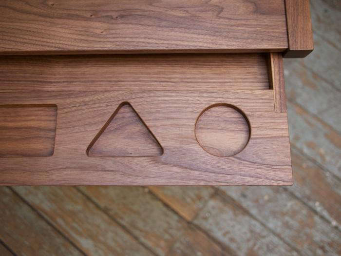 700 laura desk circle and triangle