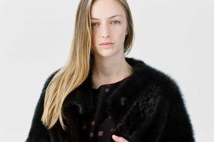 alexa is admiring the faux fur coat in sofie d&#8\2\17;hoore&#8\2\17;s  10