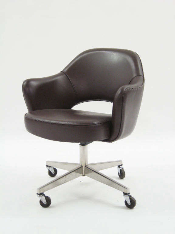 saarinen executive chair 2