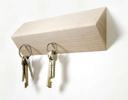 tomas bedos key holder