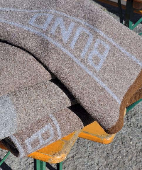 biergarten bund blanket pile
