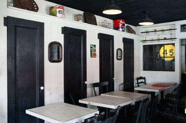 Restaurant Visit Saraghina in Brooklyn portrait 6