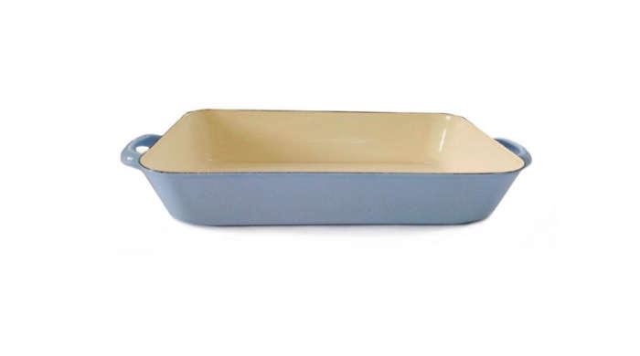 700 blue roaster lasagna tray