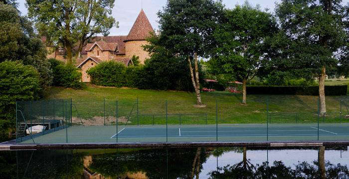 700 domain des etangs tennis court