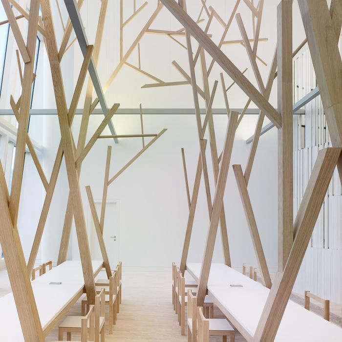 700 estudio nomada tree dining table 07 jpeg