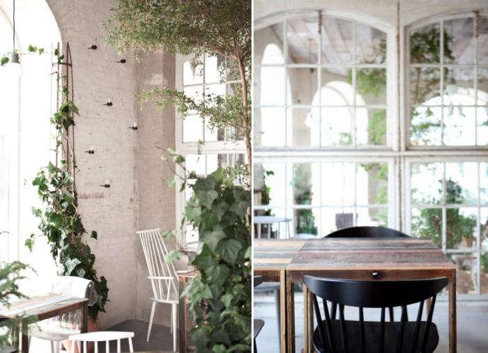 700 restaurant host vines rough table