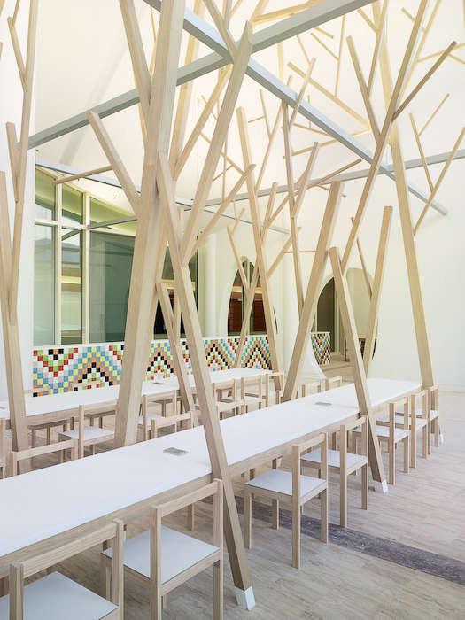 estudio nomada tree dining table 05 jpeg