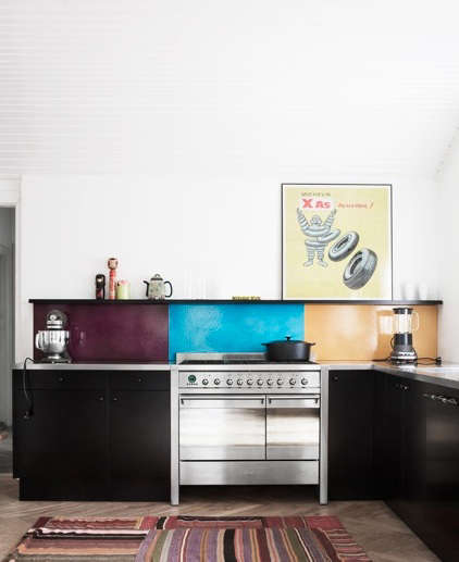 made a mano kitchen color bloc