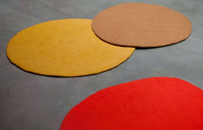 muskhane solid round rugs