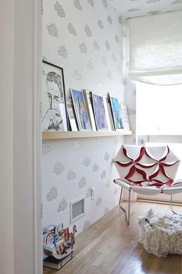 desk of lola cloud wallpaper