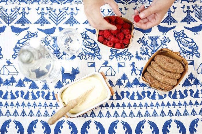 700 1saana ja olli tablecloth