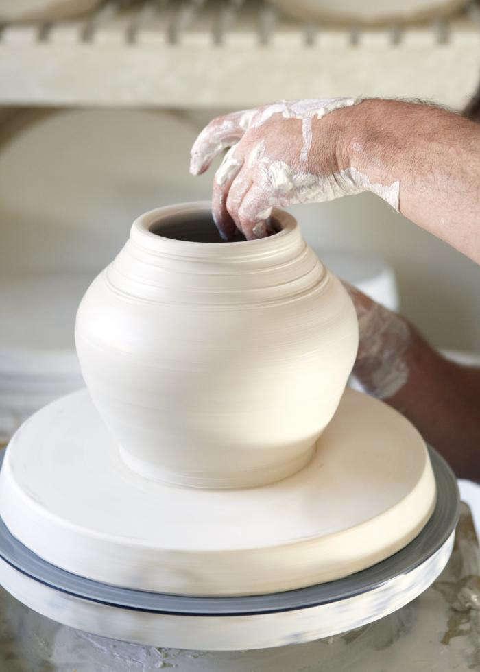The Sorcerers Apprentice A Ceramicist Discovers His Calling portrait 9