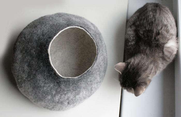 700 cat bed light grey