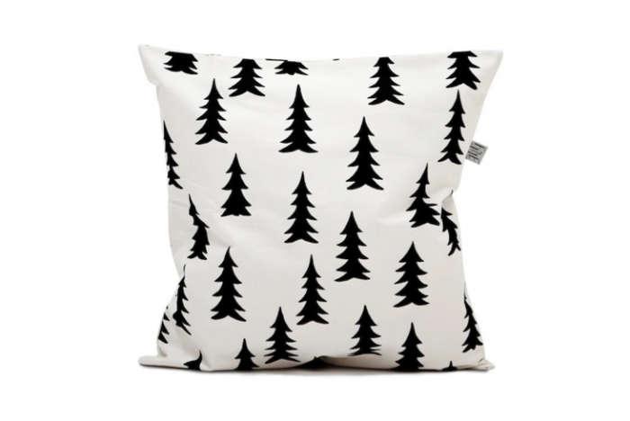 700 fine little day pillow
