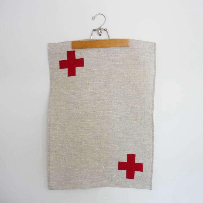 700 tea towel cross red  29228 zoom