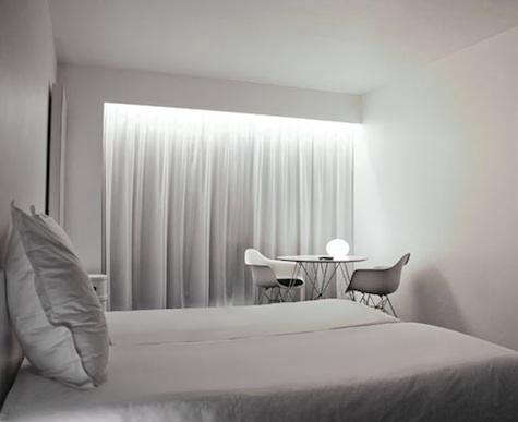 White  20  Hotel  20  Room  20  with  20  Eames  20  Chair