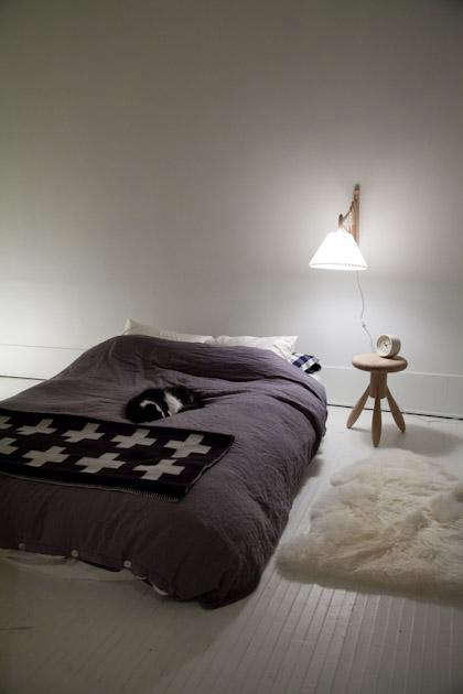 bedroom  20  with  20  le  20  klint  20  lamp
