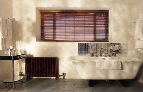 bellinter  20  bath  20  with  20  mirror  20  tub  20  surround