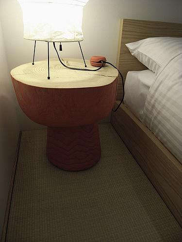 claska  20  bedside  20  table