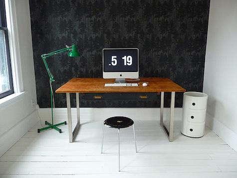 door  20  sixteen  20  desk  20  with  20  green  20  lamp