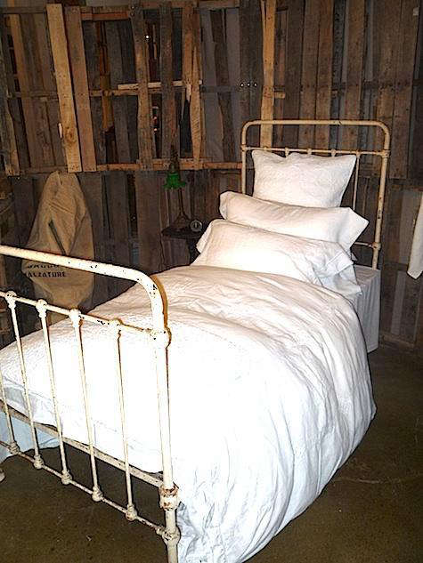 matteo  20  white  20  bed  20  via  20  LA  20  Times