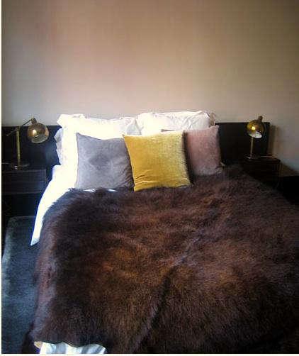 roman  20  williams  20  yellow  20  pillow
