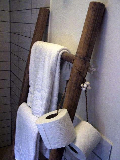 toilet  20  paper  20  holder  20  on  20  string