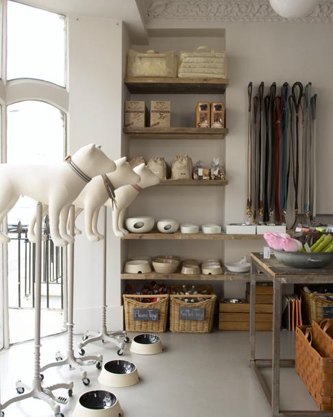 Distinctive mannequins in Mungo & Maud in London