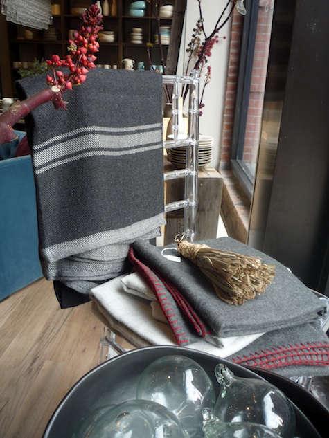 canvas store blanket detail
