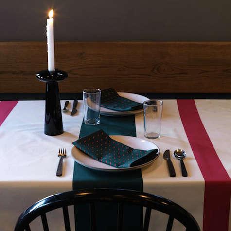 Tabletop Maritime Mistletoe Tablecloth and Napkins portrait 3