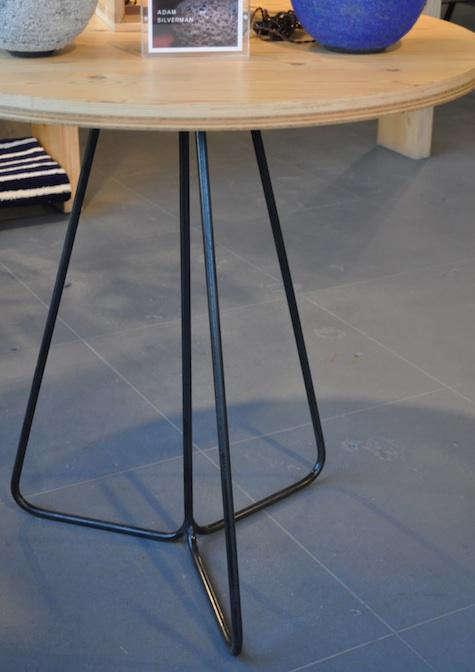 heath commune table