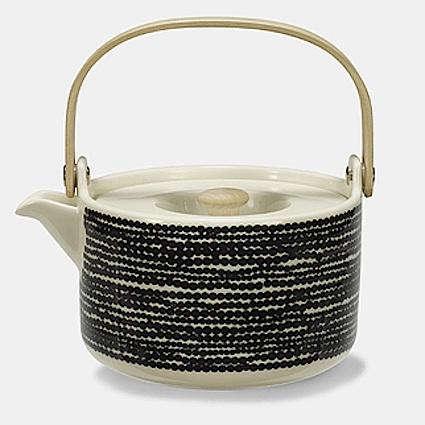 Shoppers Diary Marimekko at Crate  Barrel portrait 4