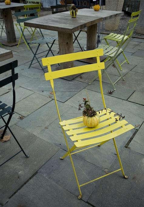 terrain  20  yellow  20  chair