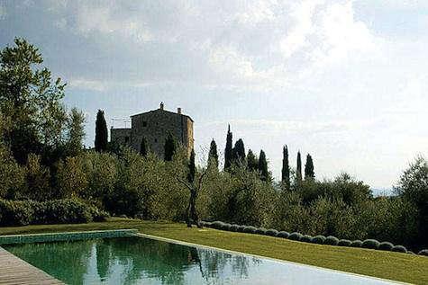 Hotels  Lodging Castello di Vicarello in Italy portrait 4