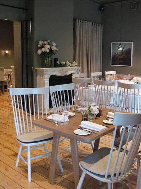 Restaurant Visit The Millswyn in Melbourne portrait 4