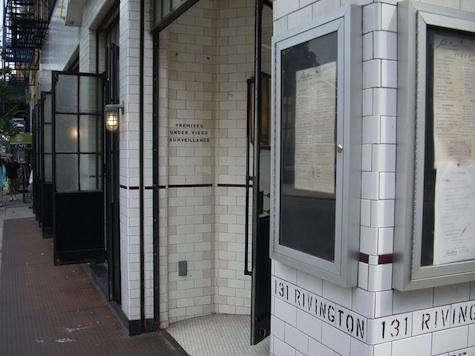 Restaurant Visit Schillers Liquor Bar in New York portrait 7