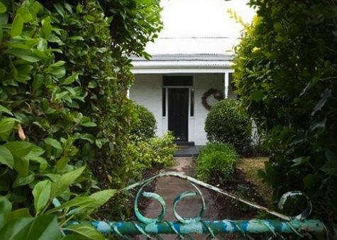 Hotels  Lodging The White House in Daylesford Australia portrait 3