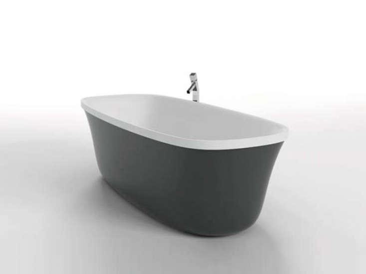 QuickChange Artist A New Bathtub from Italy portrait 6
