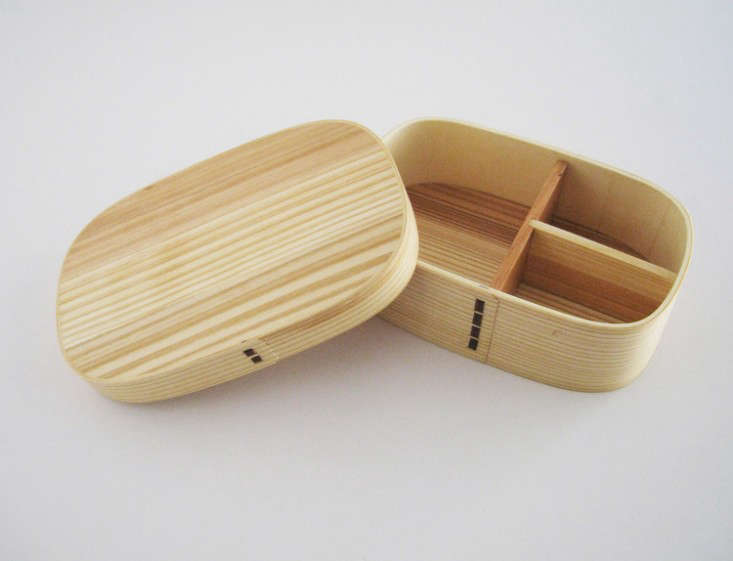 For an organized lunch: natural cedar bento box.