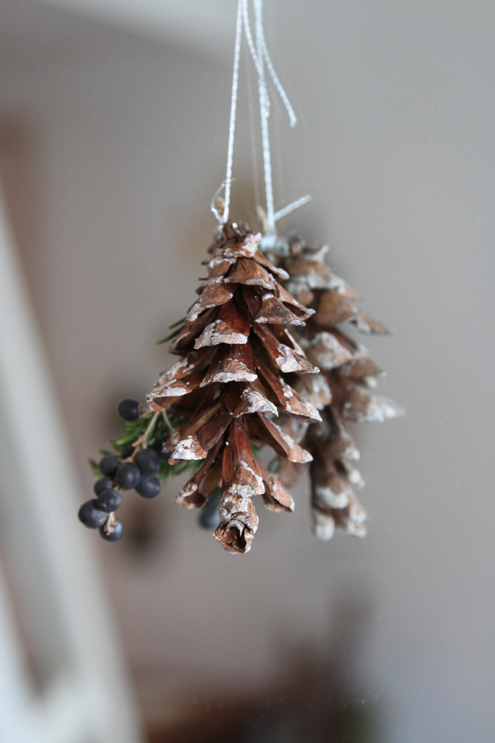 DIY Holiday Decor for Small Spaces portrait 9