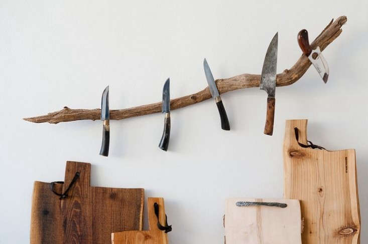 The New Rusticity 11 DIY Ways to Use Branches Indoors Julie spotted this rustic Knife Rack from Buchholz Berlin, in which &#8\2\20;nature dictates the shape of the knife branch.&#8\2\2\1; (We previously featured it inModern Primitives: 6 Kitchen Accessories with a Rustic Edge.)