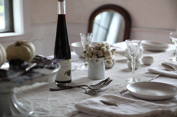 Photo by Justine Hand from Falling Leaves: Justine's Spooky-Elegant DIY Table Setting—perfect for a late-autumn dinner in.
